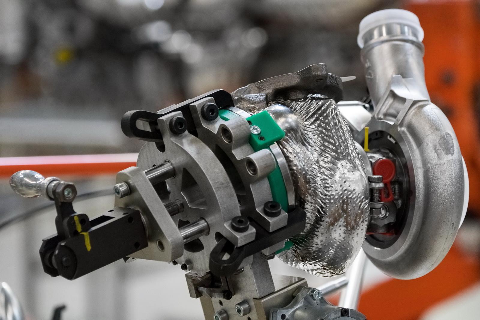 Motore Aston Martin DB11