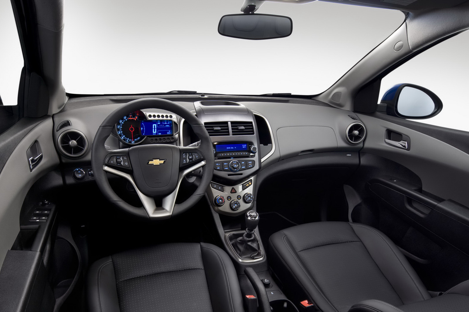 Nuova Chevrolet Aveo 6 14