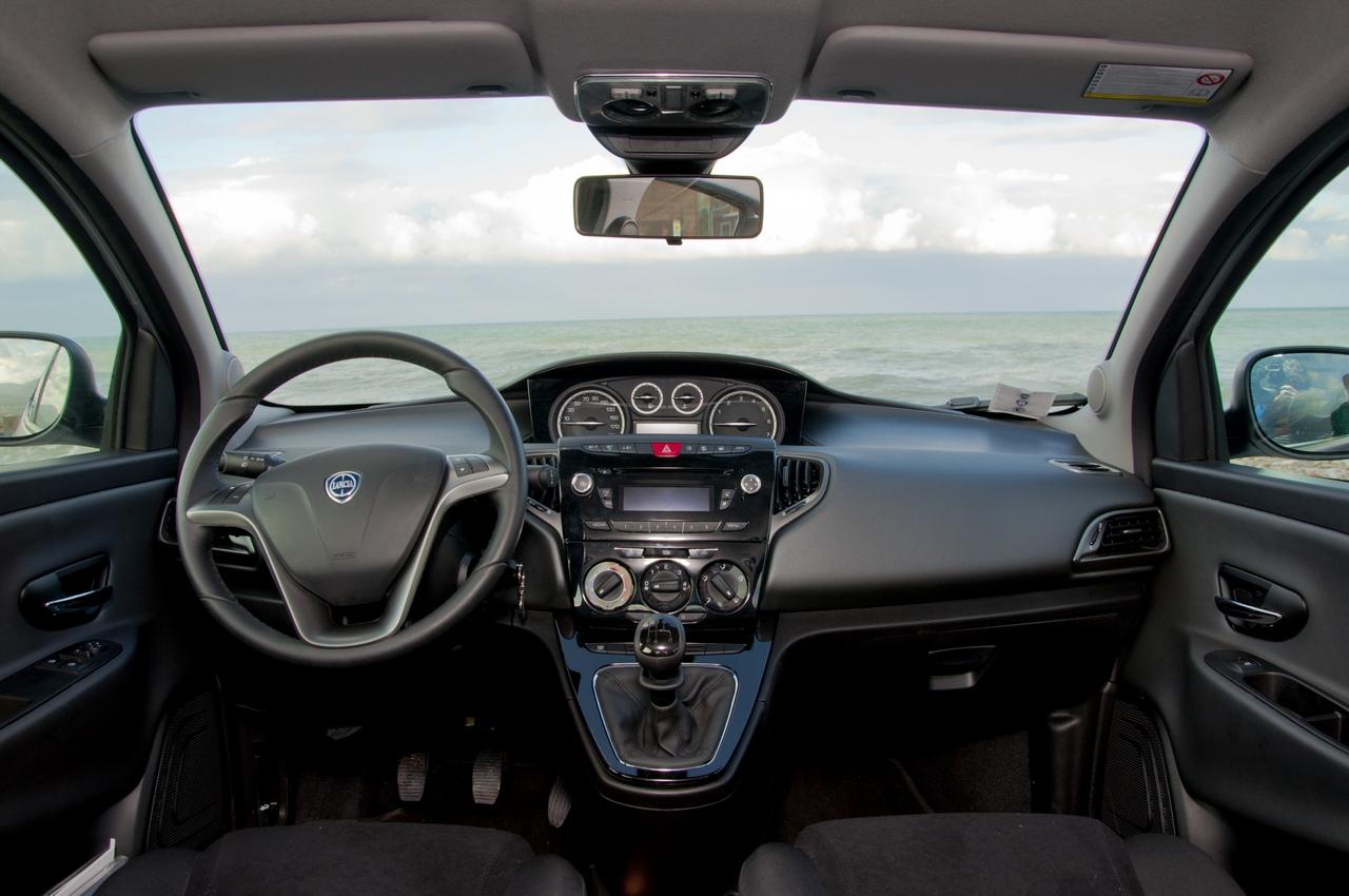 Nuova Lancia Ypsilon Prova Su Strada 15 39
