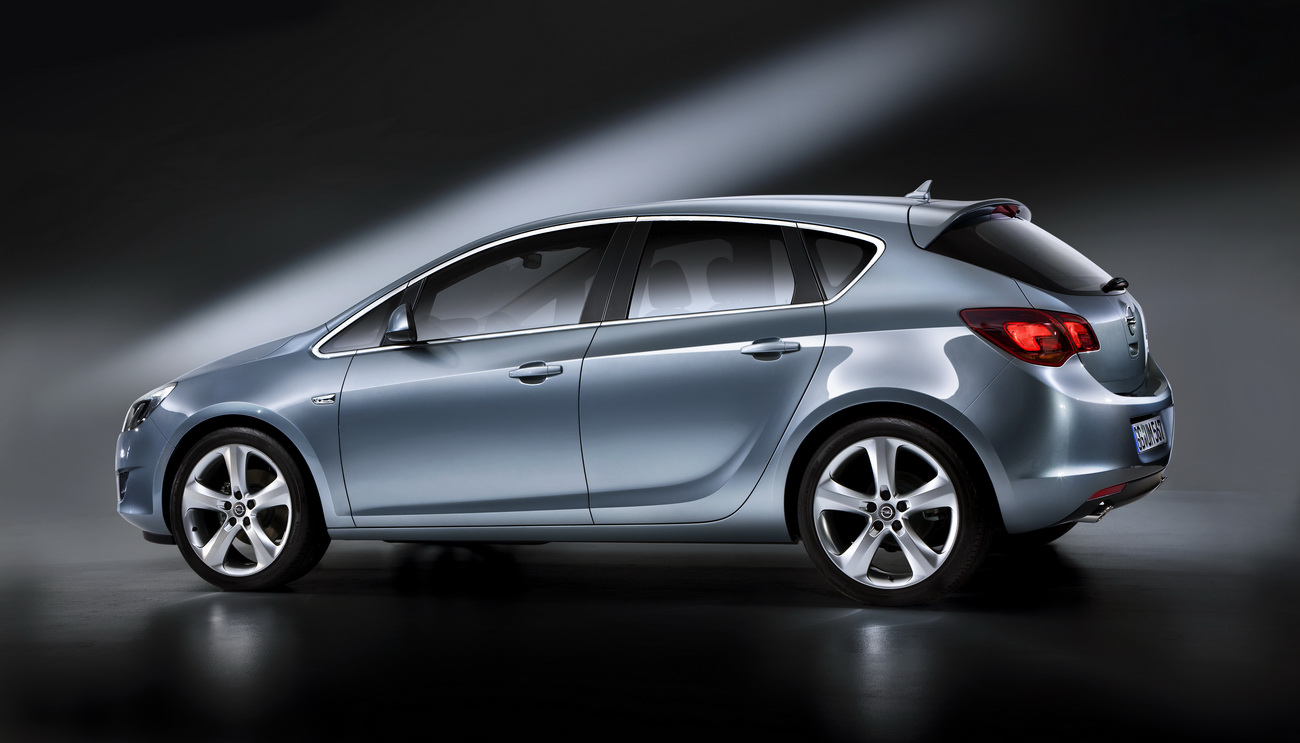 Nuova Opel Astra 6 16