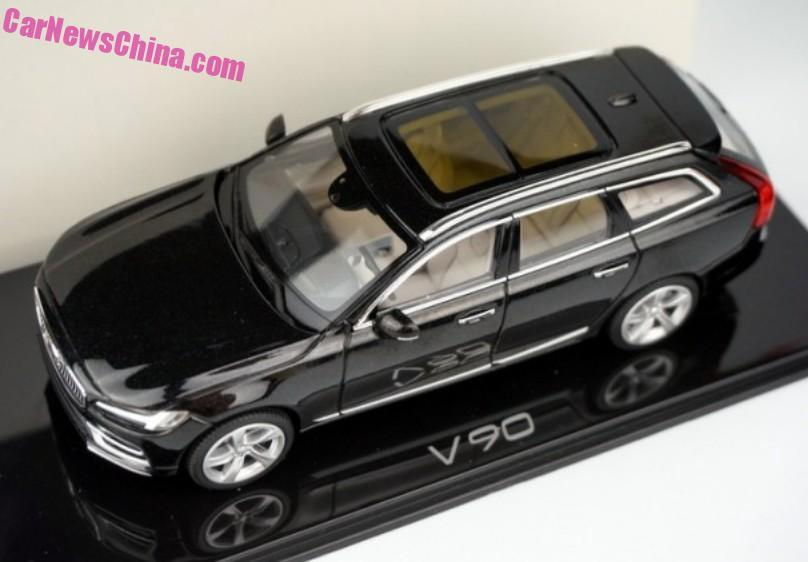 Nuova Volvo V90 Liquid Blue
