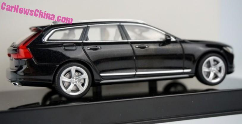 Nuova Volvo V90