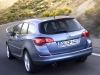 Opel Astra Sports Tourer 2011