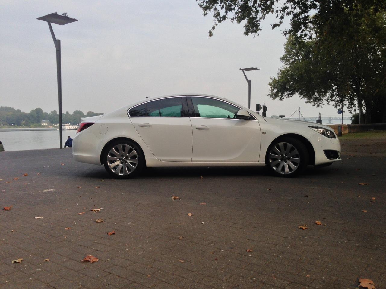 Opel Insignia MY 2013 - Primo contatto