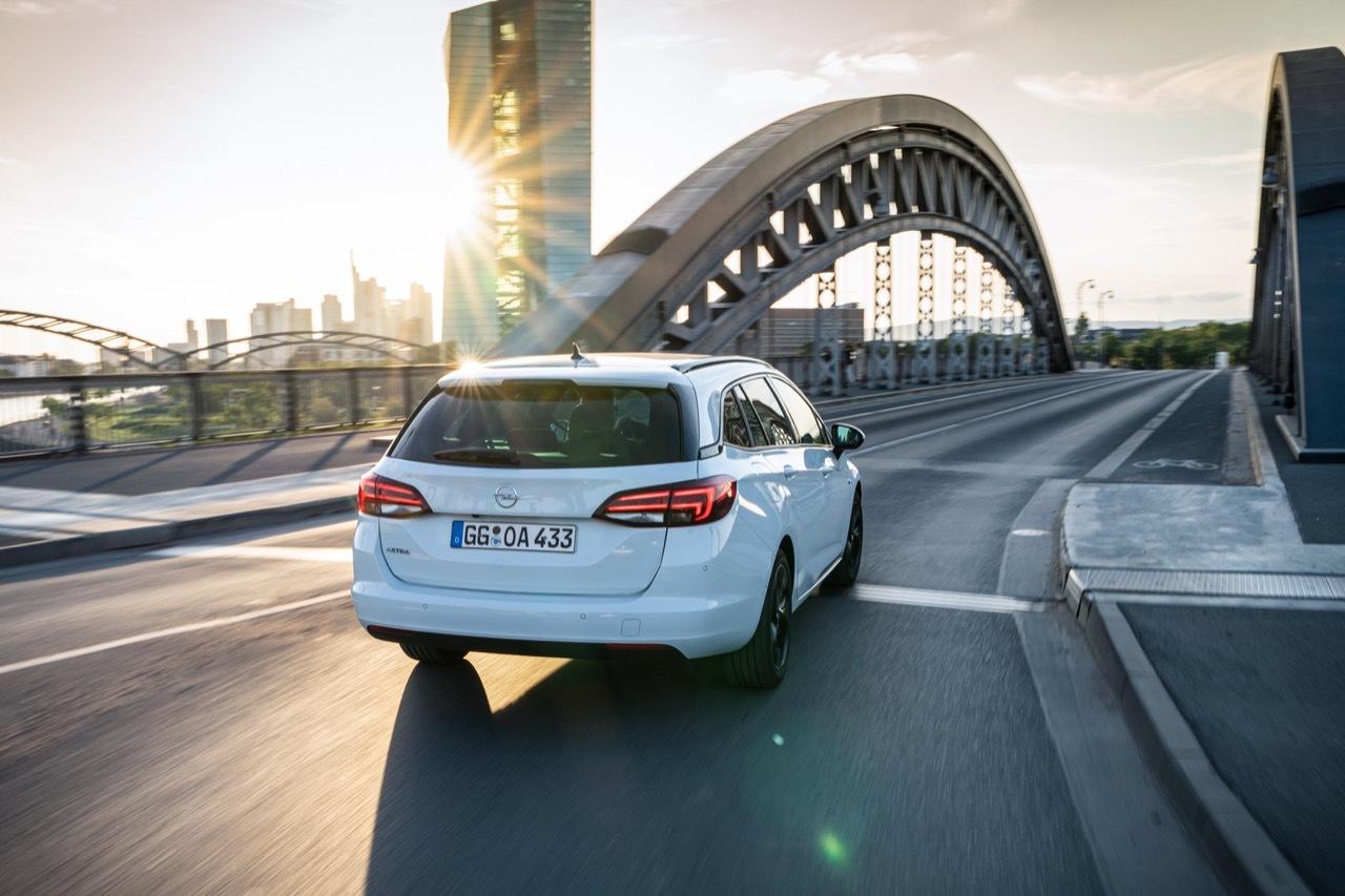 Opel Insignia Sports Tourer e Opel Astra Sports Tourer