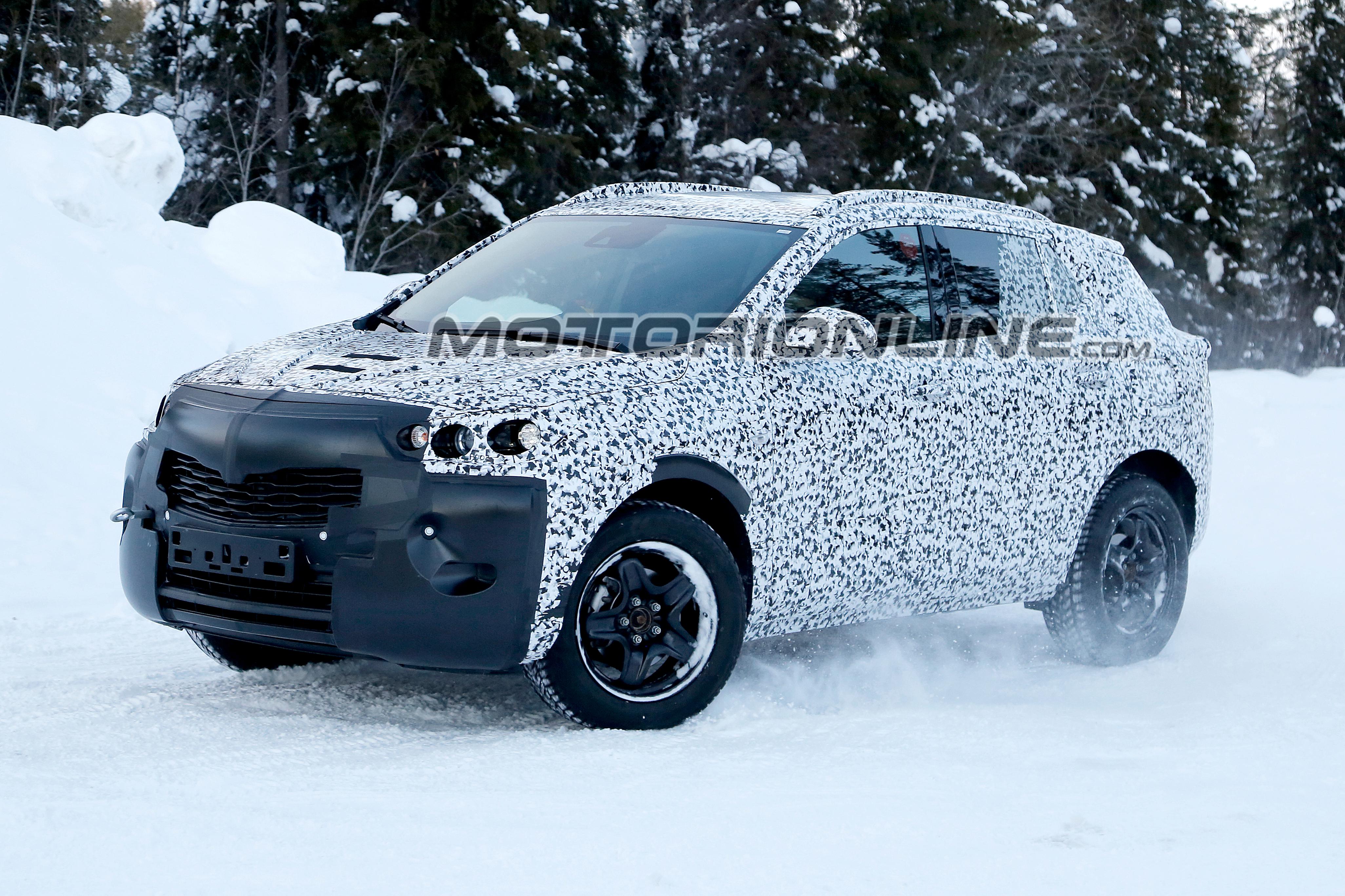 Opel Mokka X foto spia 15 marzo 2018