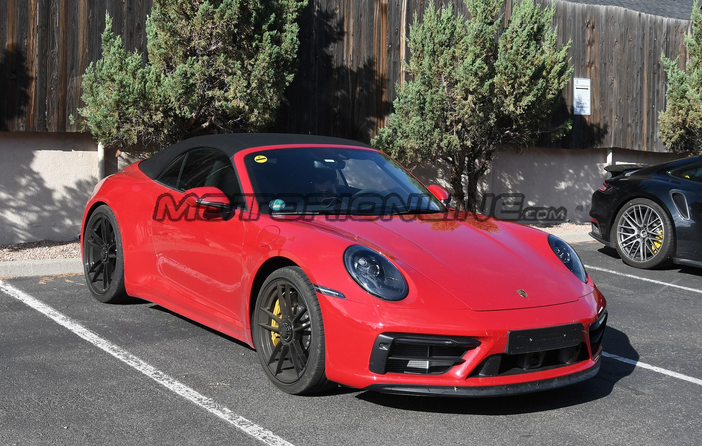 Porsche 911 GTS Cabrio - Foto spia 27-09-2019