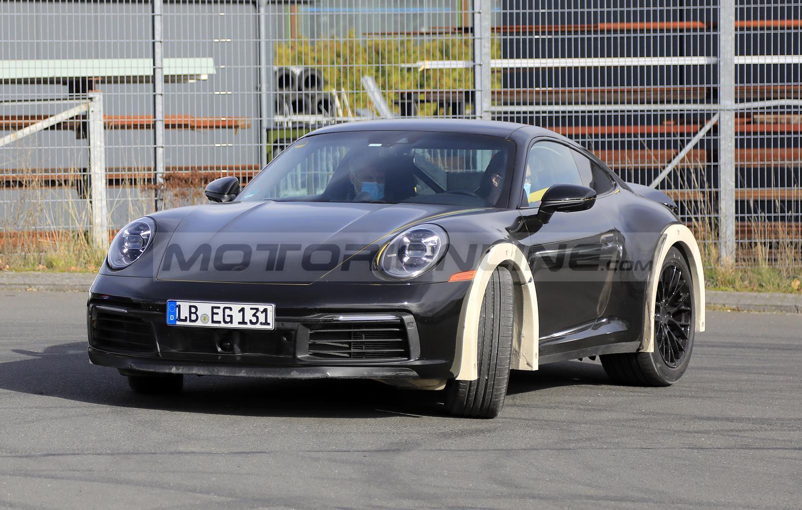 Porsche 911 - Prototipo rialzato - Foto spia 29-10-2020