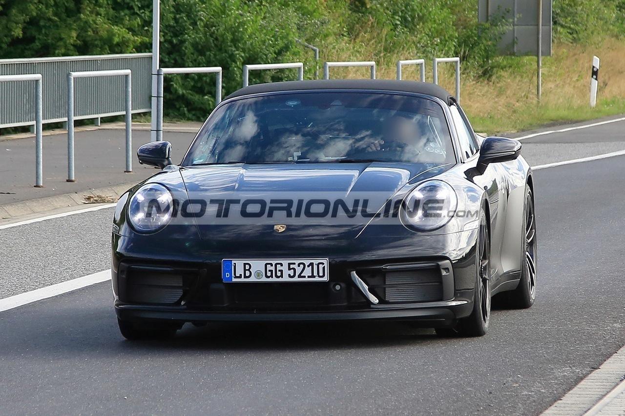 Porsche 911 Targa GTS - Foto spia 18-8-2020