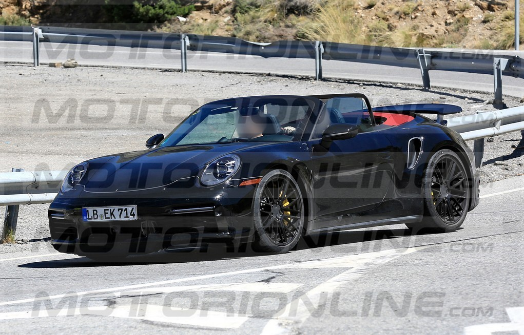 Porsche 911 Turbo Cabriolet 2020 - foto spia