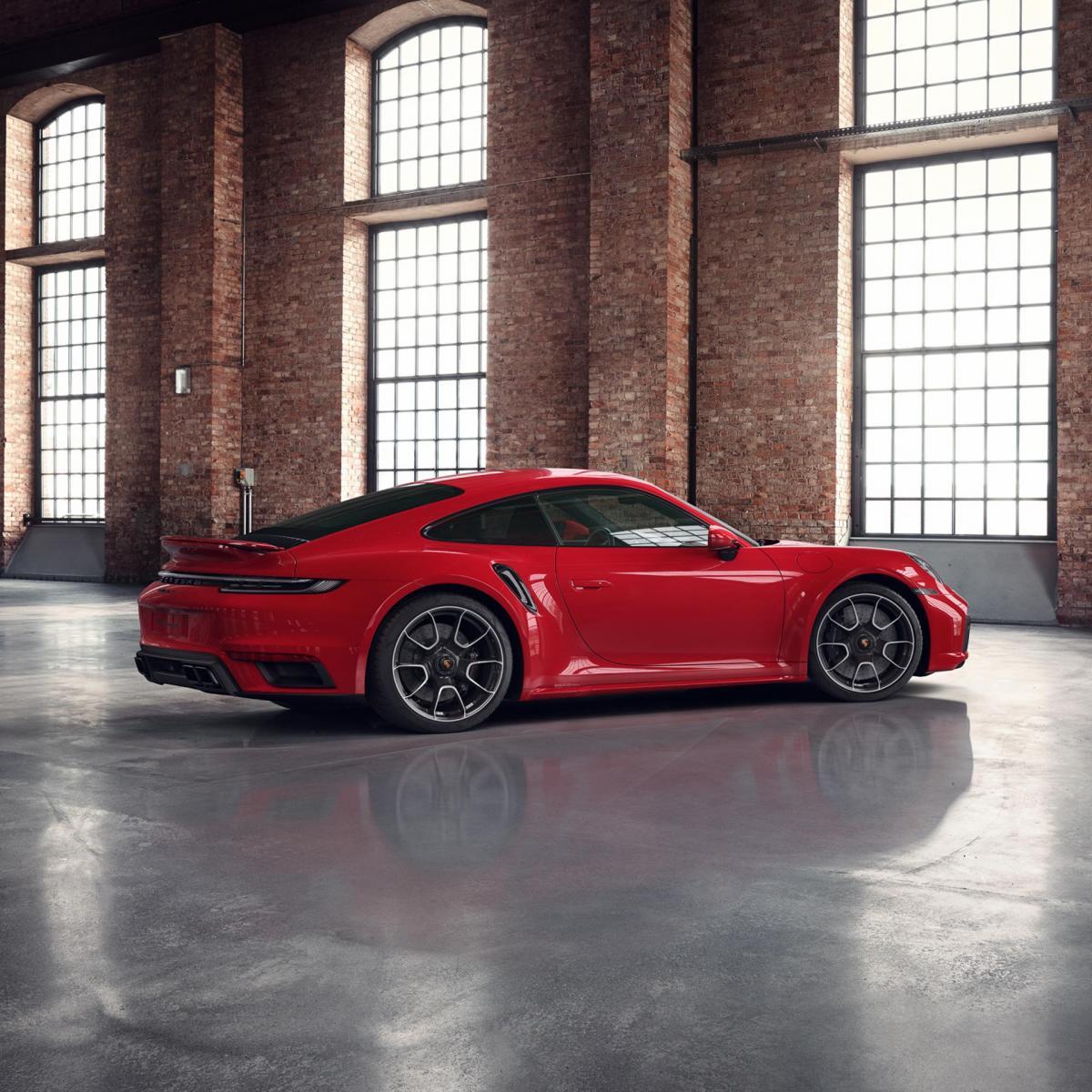 Porsche 911 Turbo S 2020 - Guards Red