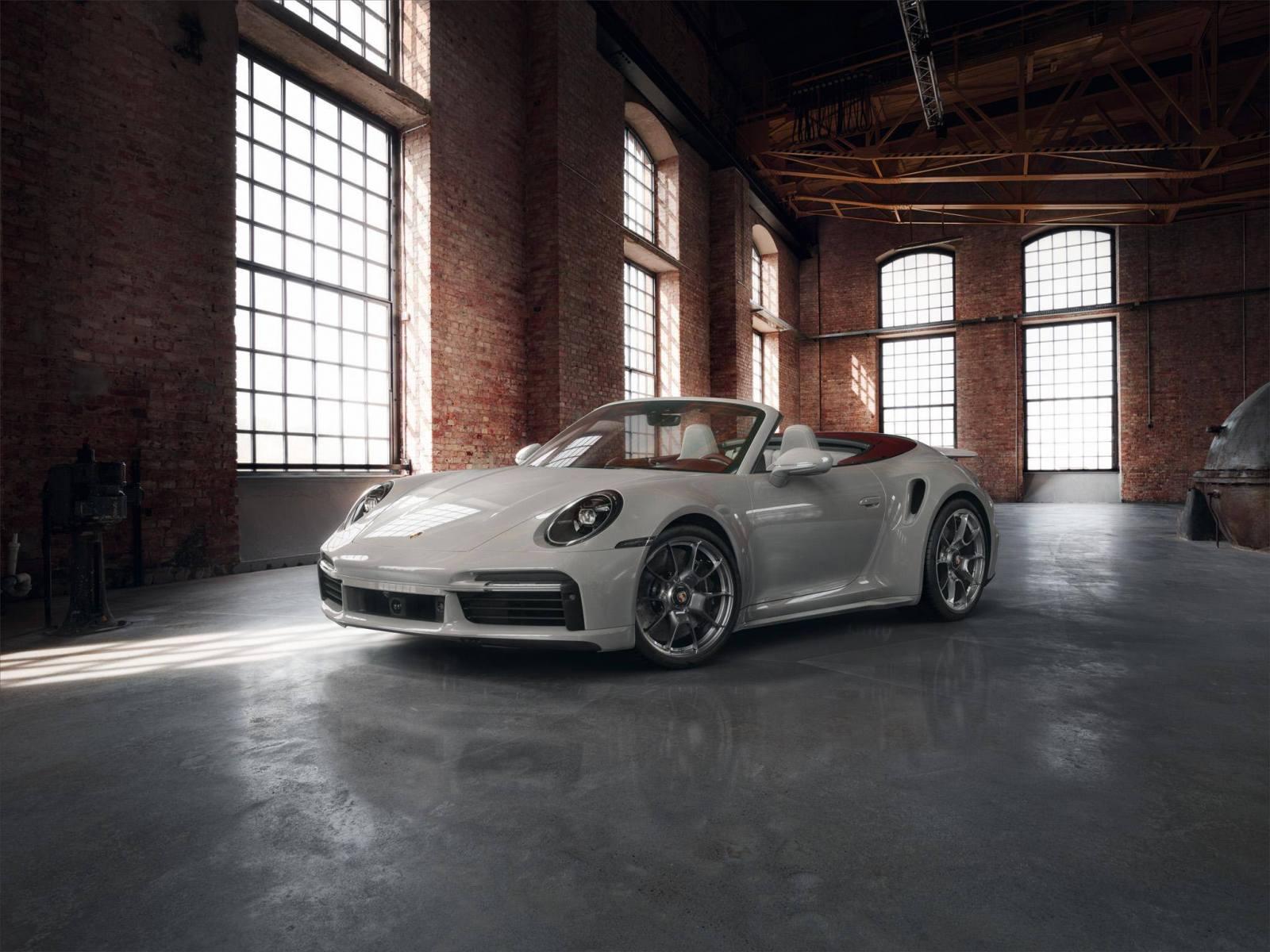 Porsche 911 Turbo S 2020 - Interni bi-tono