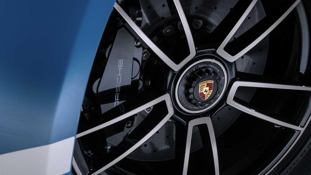 Porsche 911 Turbo S 20th Anniversary Cina