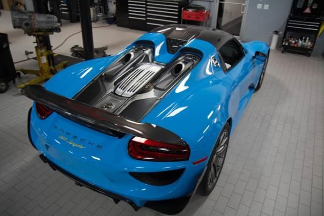 porsche 918 spyder in riviera blue con weissach package. Black Bedroom Furniture Sets. Home Design Ideas