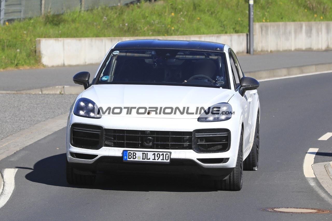 Porsche Cayenne Coupe GTS - Foto spia 8-5-2020