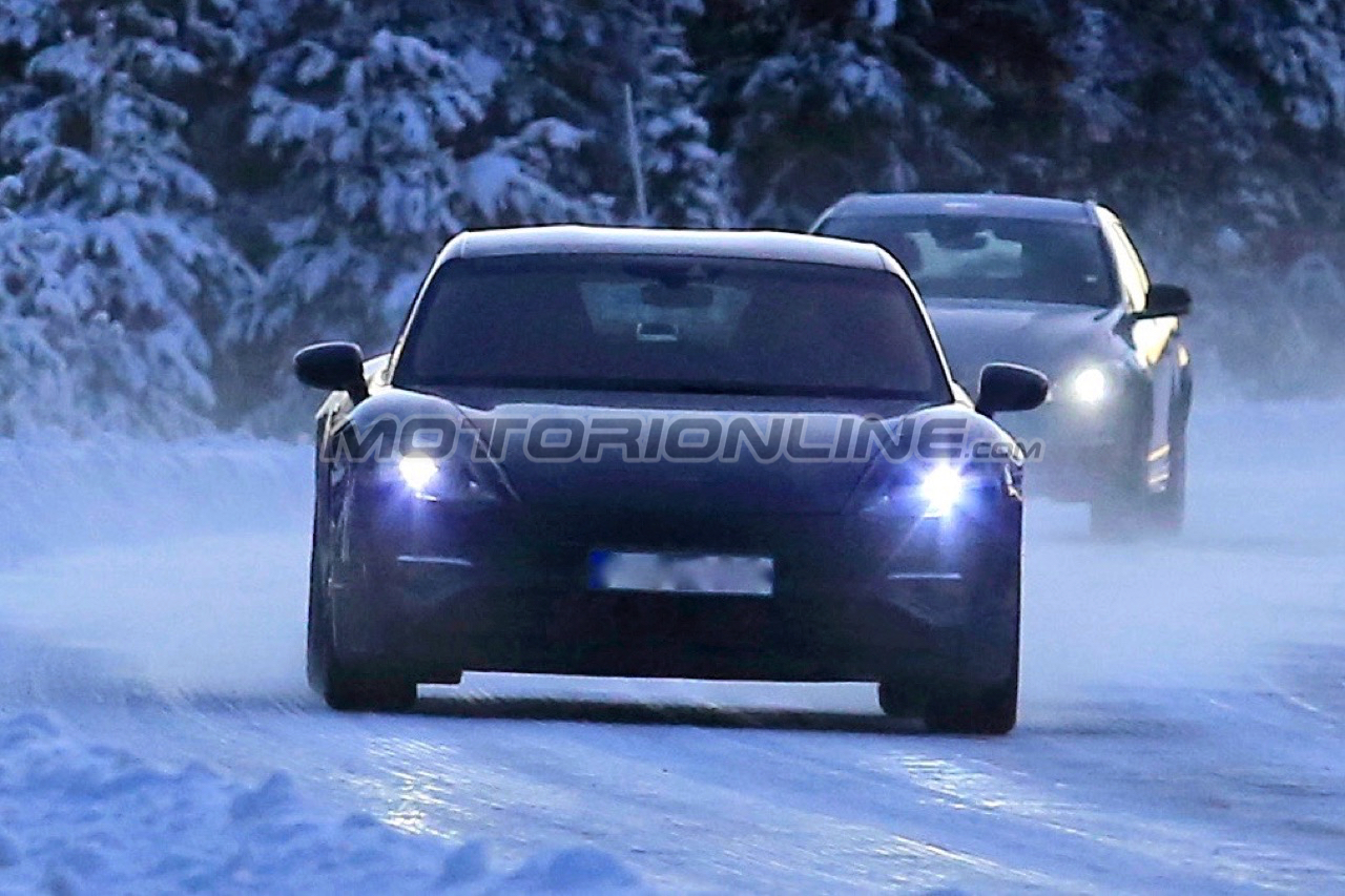 Porsche Mission E - Foto spia 06-12-2017