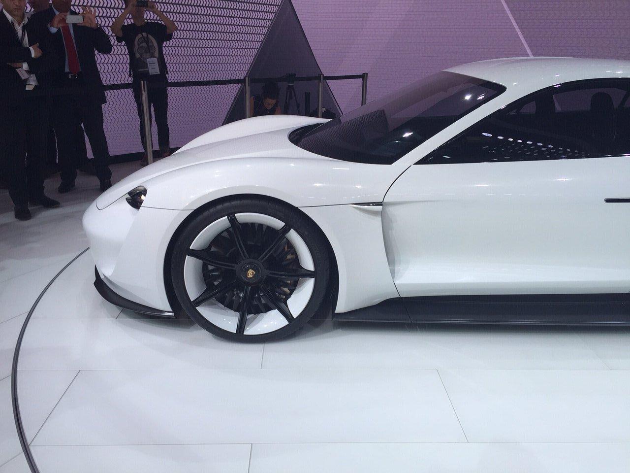 Porsche Mission E - Salone di Francoforte 2015