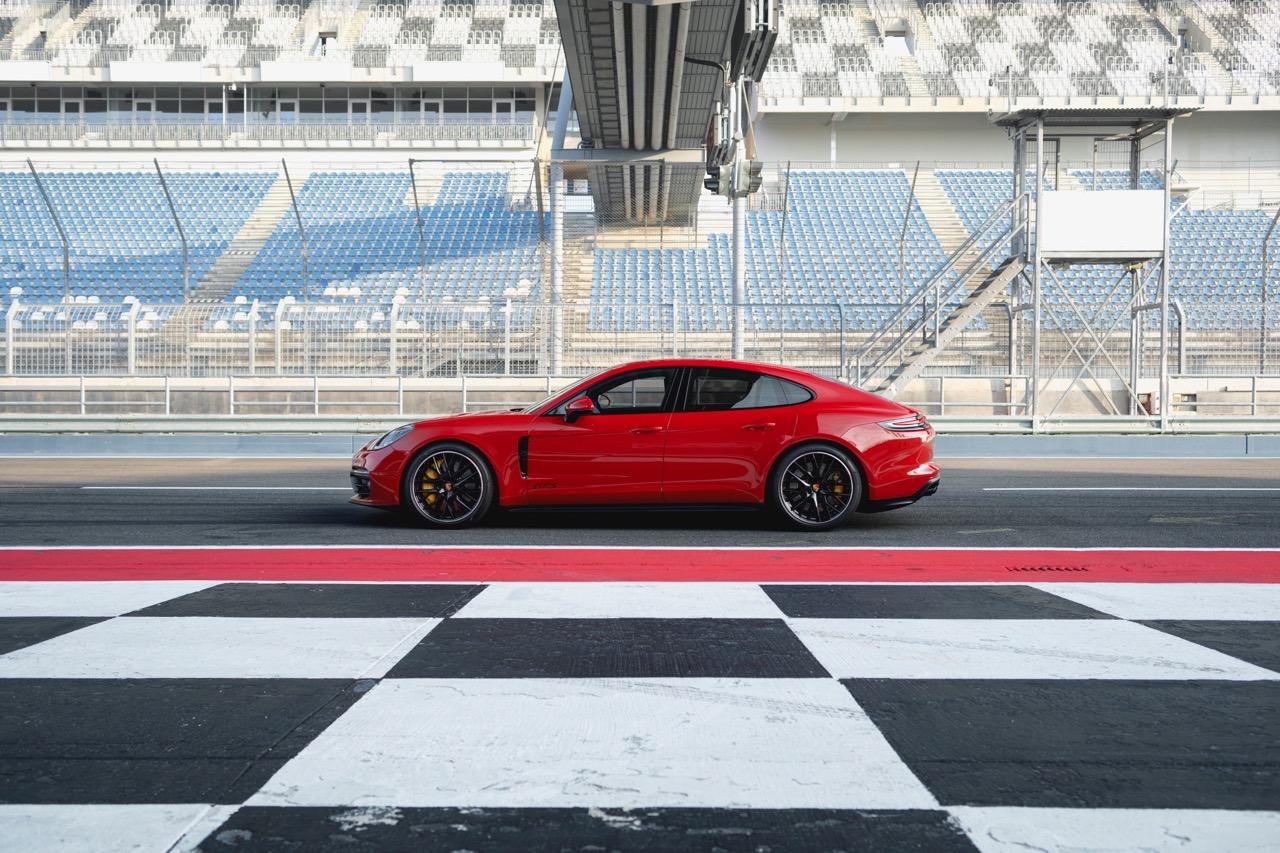 Porsche Panamera GTS e GTS Sport Turismo