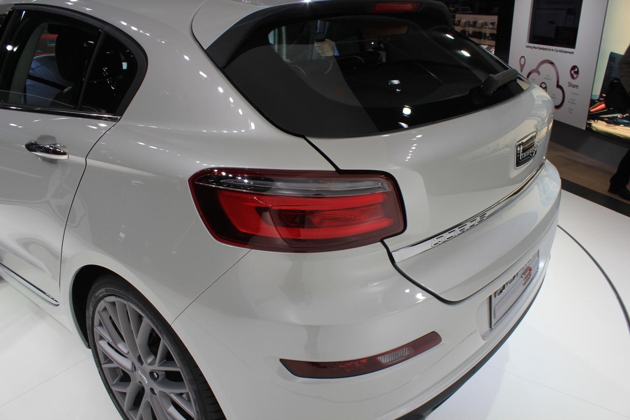 Qoros 3 hatch e sedan - Salone di Ginevra 2014