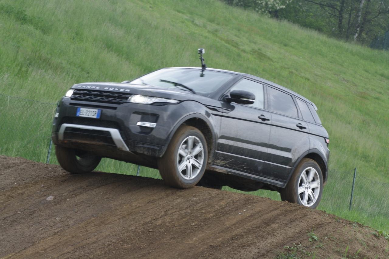 range rover evoque test drive 2012 169 180. Black Bedroom Furniture Sets. Home Design Ideas