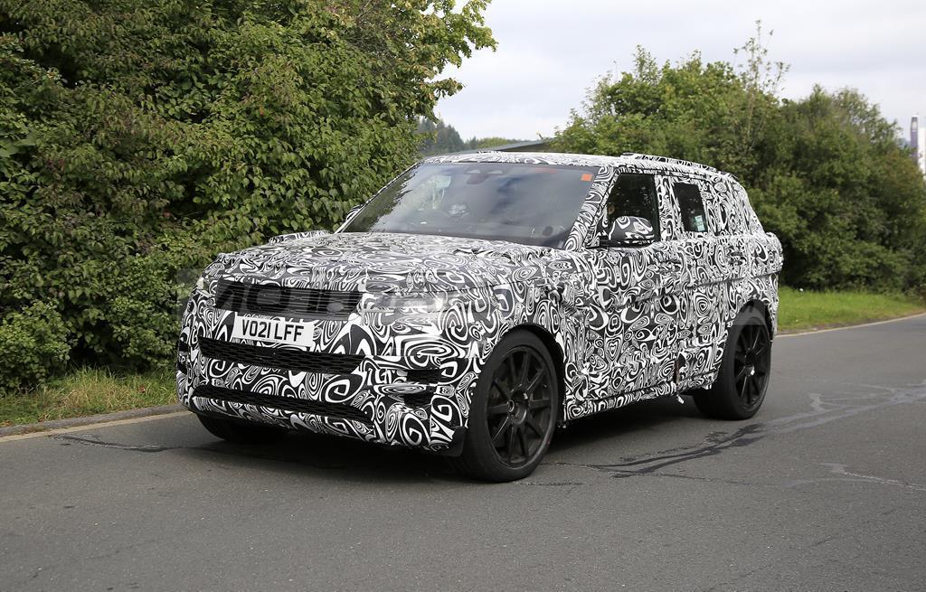 Range Rover Sport SVR 2023 - Foto spia 21-09-2021