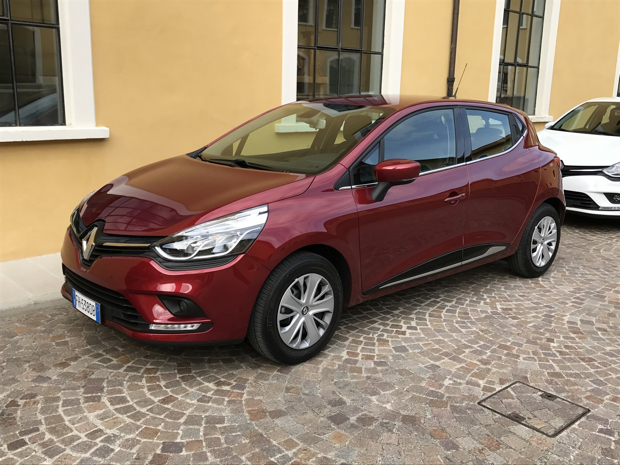 renault clio turbo gpl my 2017 12 30. Black Bedroom Furniture Sets. Home Design Ideas