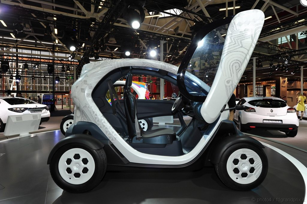 renault twizy motorshow bologna 2010 3 4. Black Bedroom Furniture Sets. Home Design Ideas