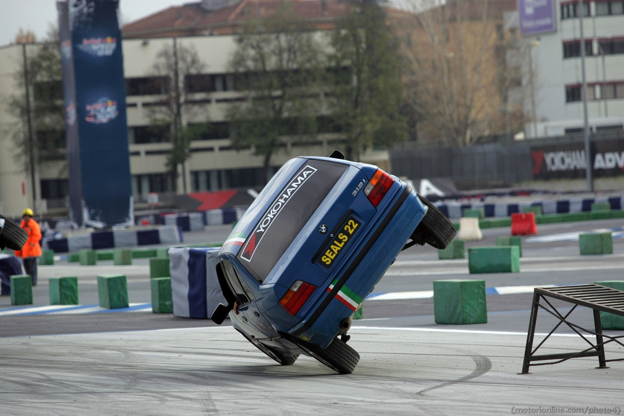 Scuola di Polizia Stunt Show - Motor Show di Bologna 2012