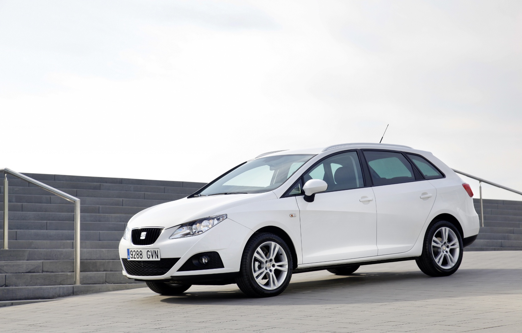 seat ibiza st 2760 pictures. Black Bedroom Furniture Sets. Home Design Ideas
