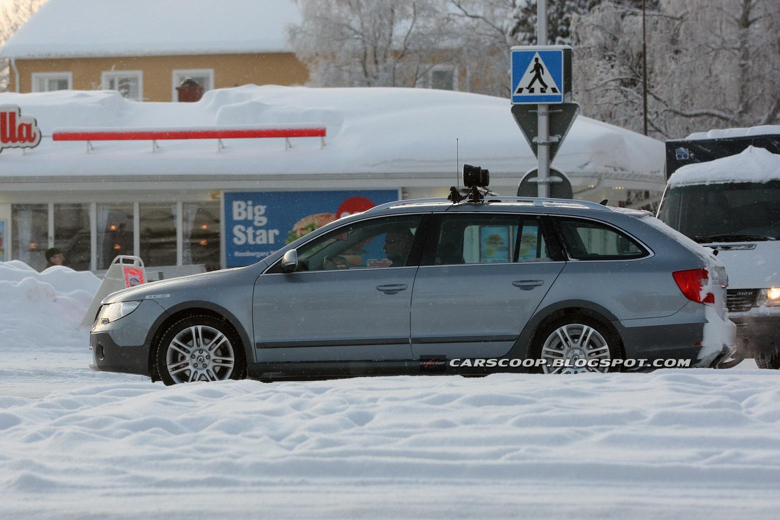 Skoda Superb Wagon Scout foto spia febbraio 2012