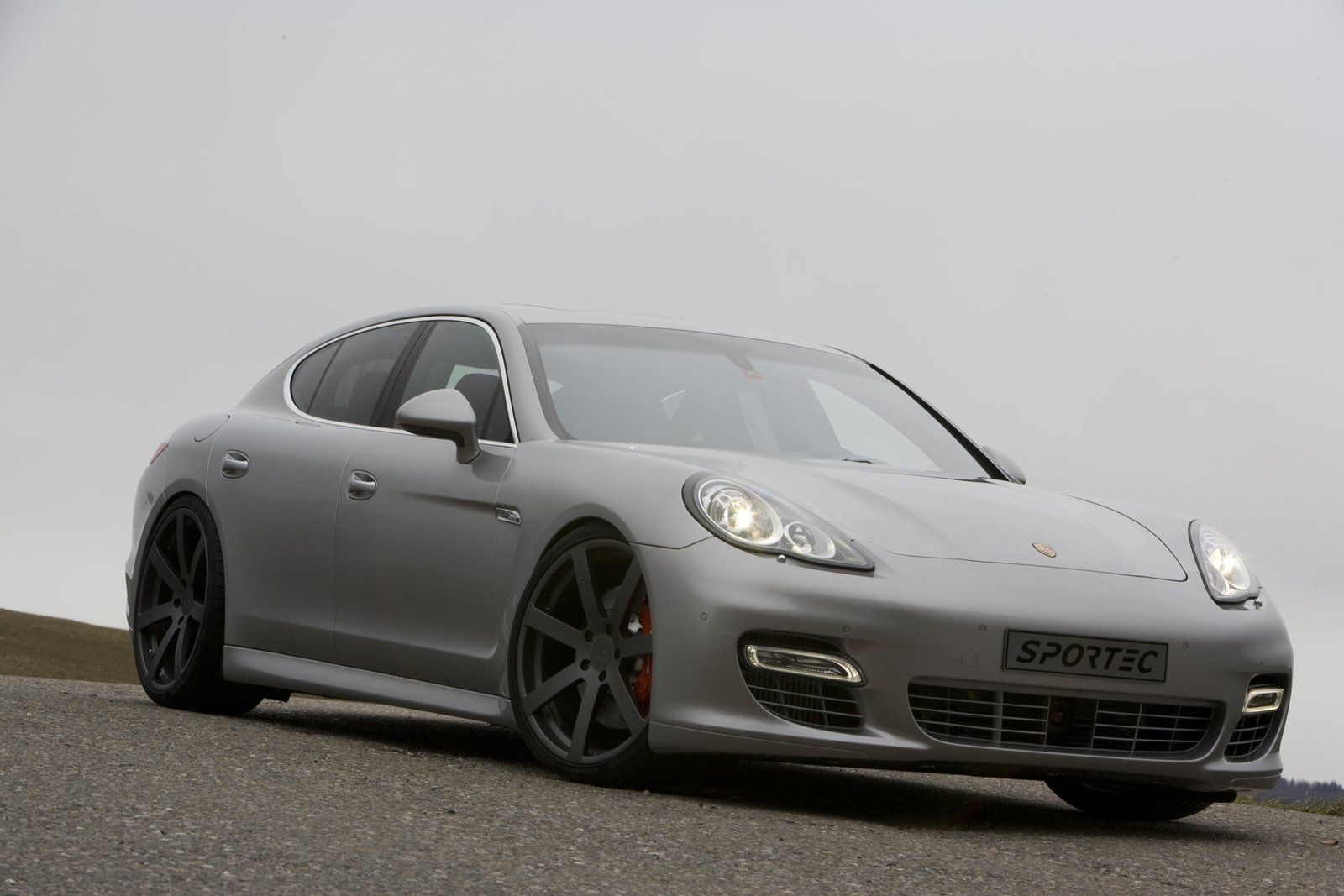 Sportec Panamera Turbo SP560