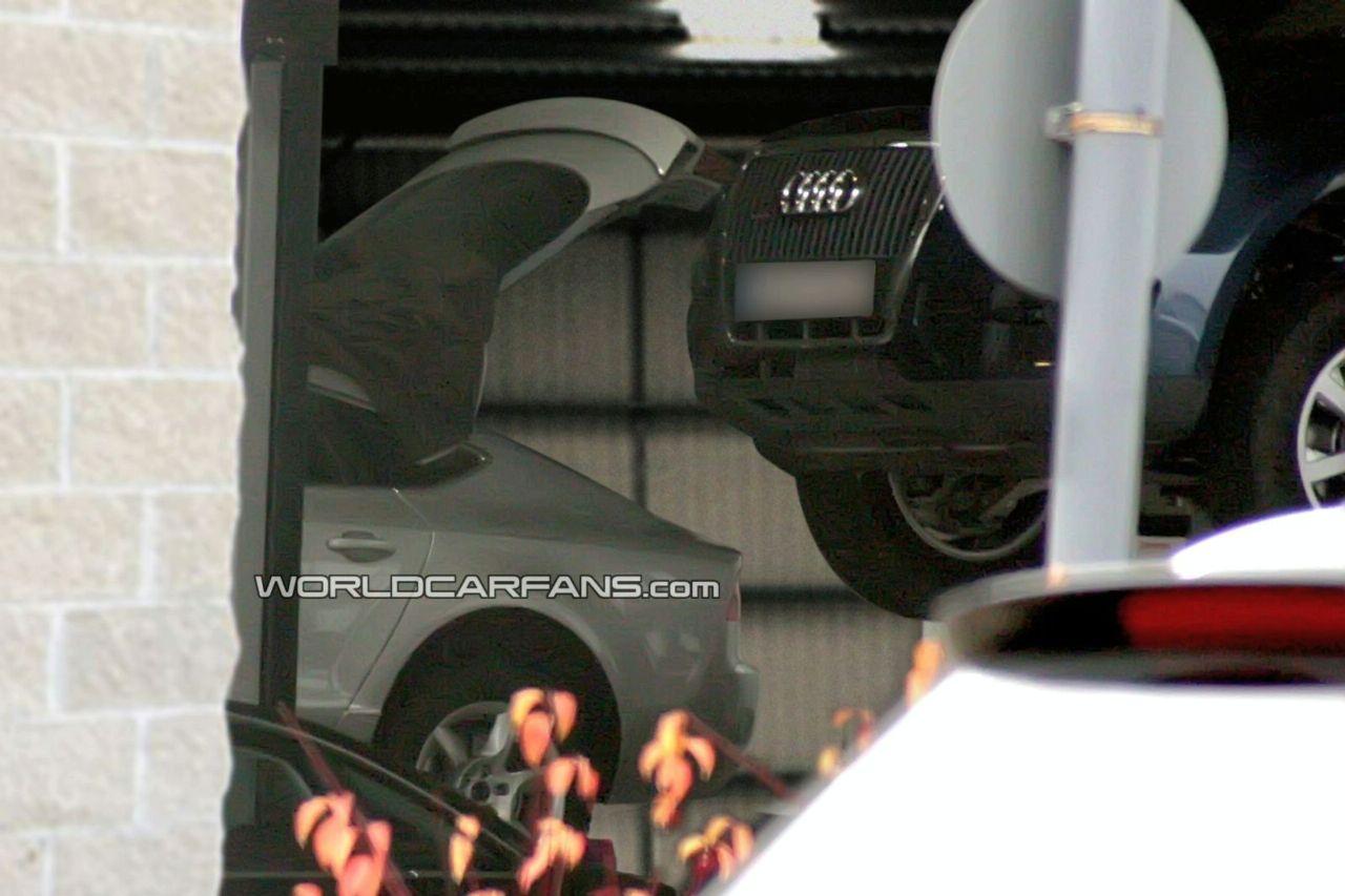 Spy shot Audi A7 senza camuffamento