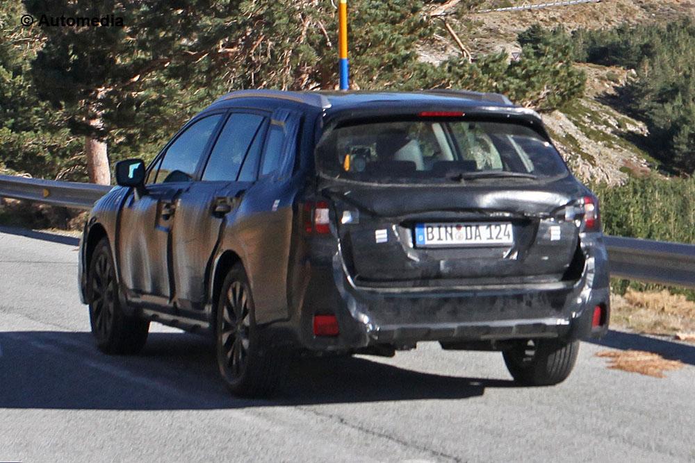 Subaru Legacy 2015 - Foto spia 13-11-2013