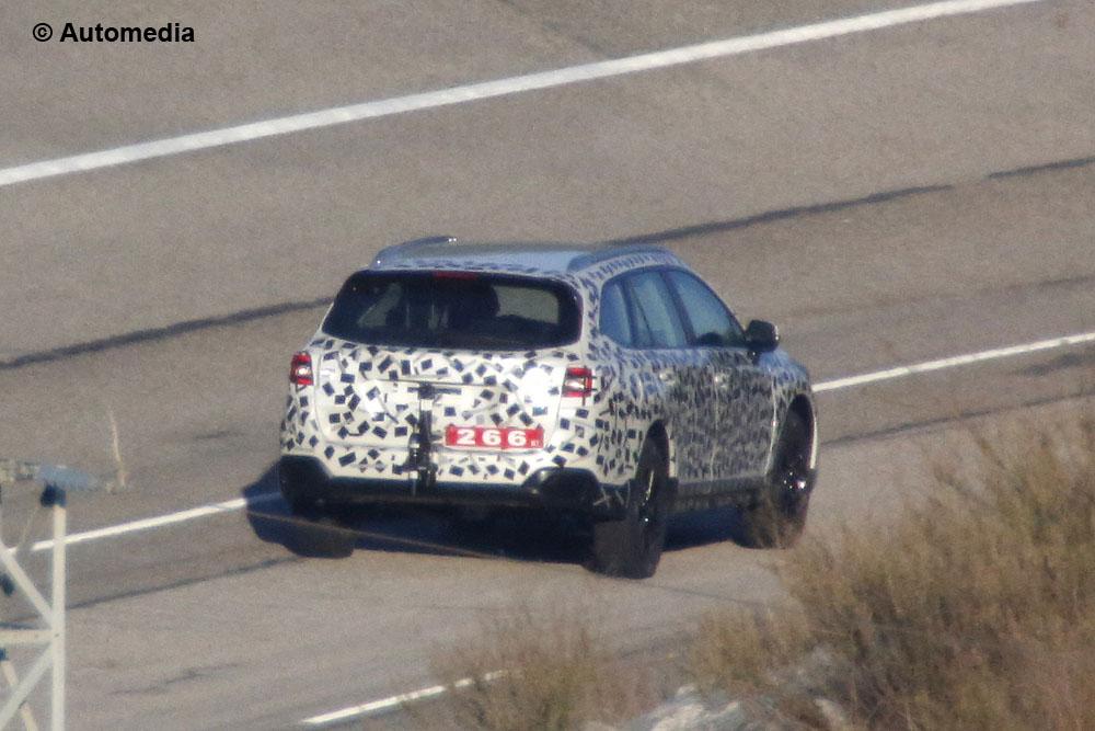 Subaru Legacy e Outback 2015 - Foto spia 03-12-2013