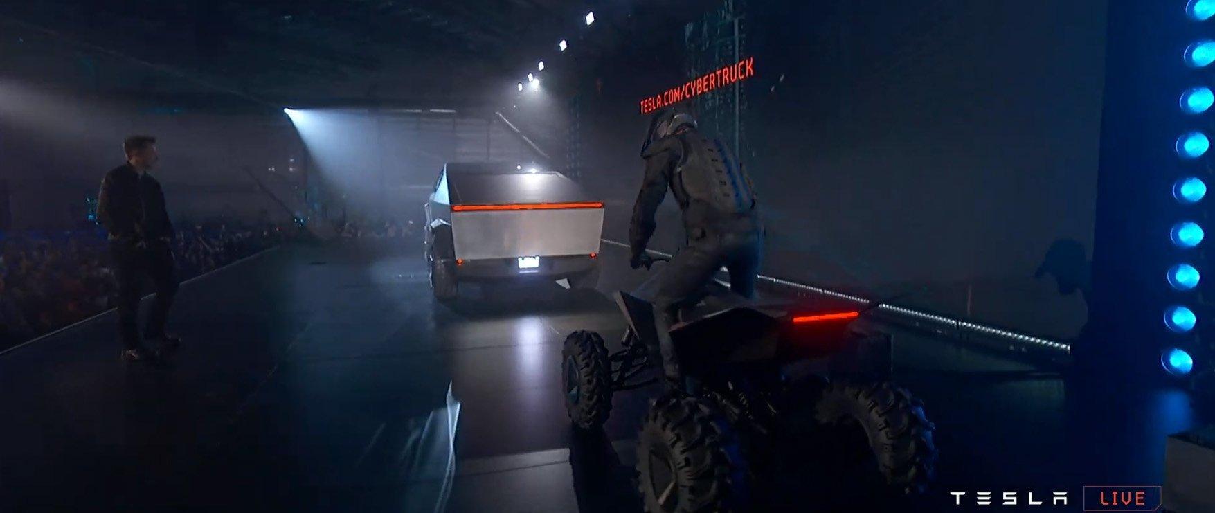 Tesla Cyberquad - Presentazione