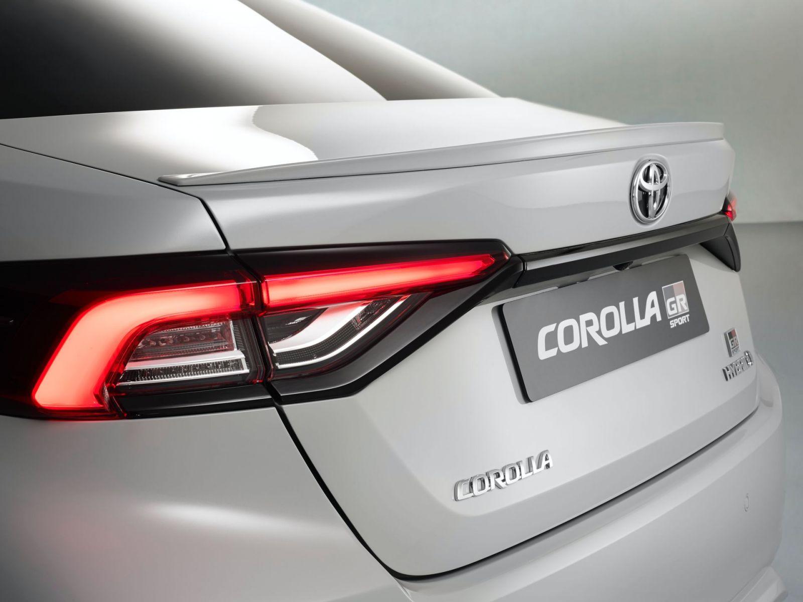 Toyota Corolla Sedan GR Sport