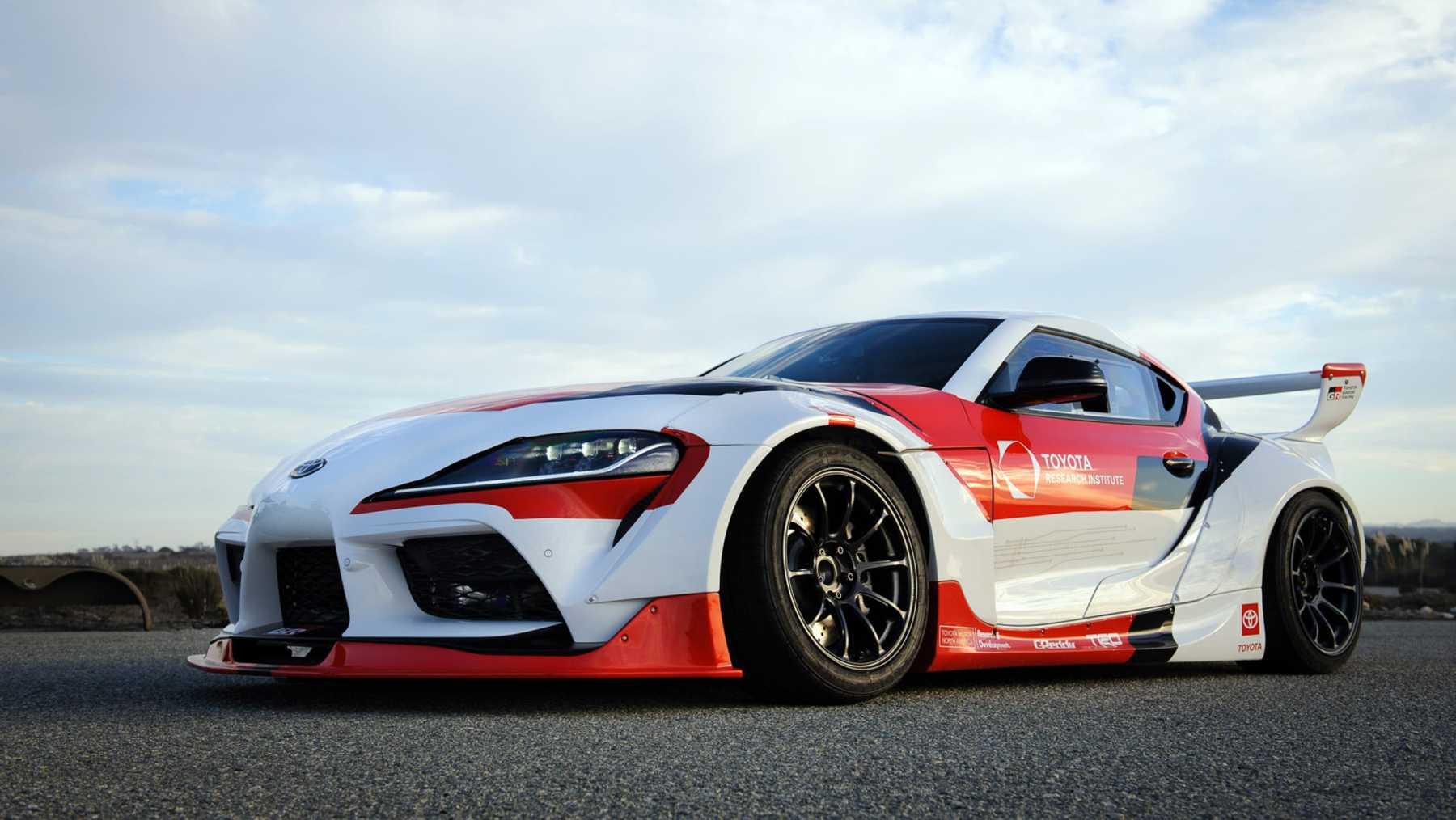 Toyota GR Supra 2021 auto drift