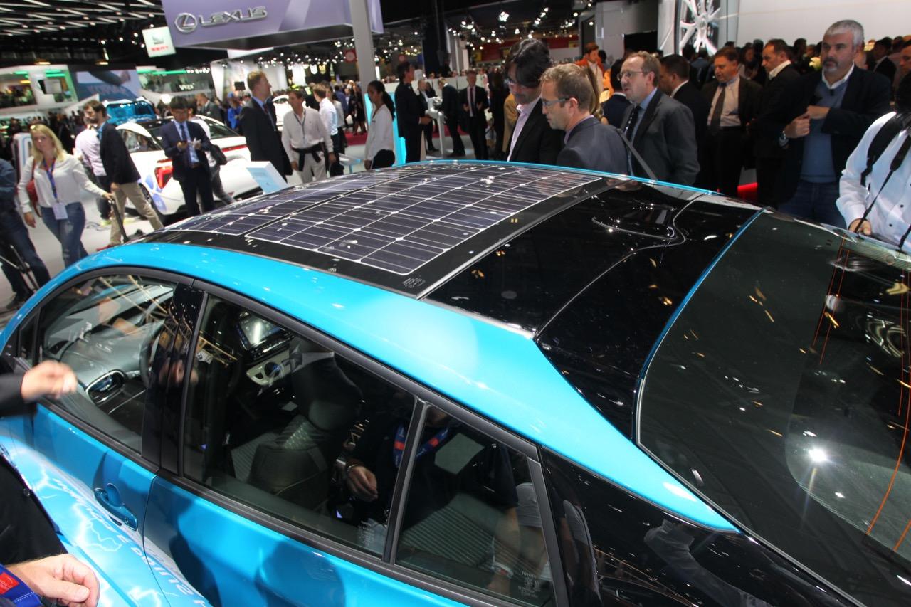 Toyota Prius Plug-in - Salone di Parigi 2016