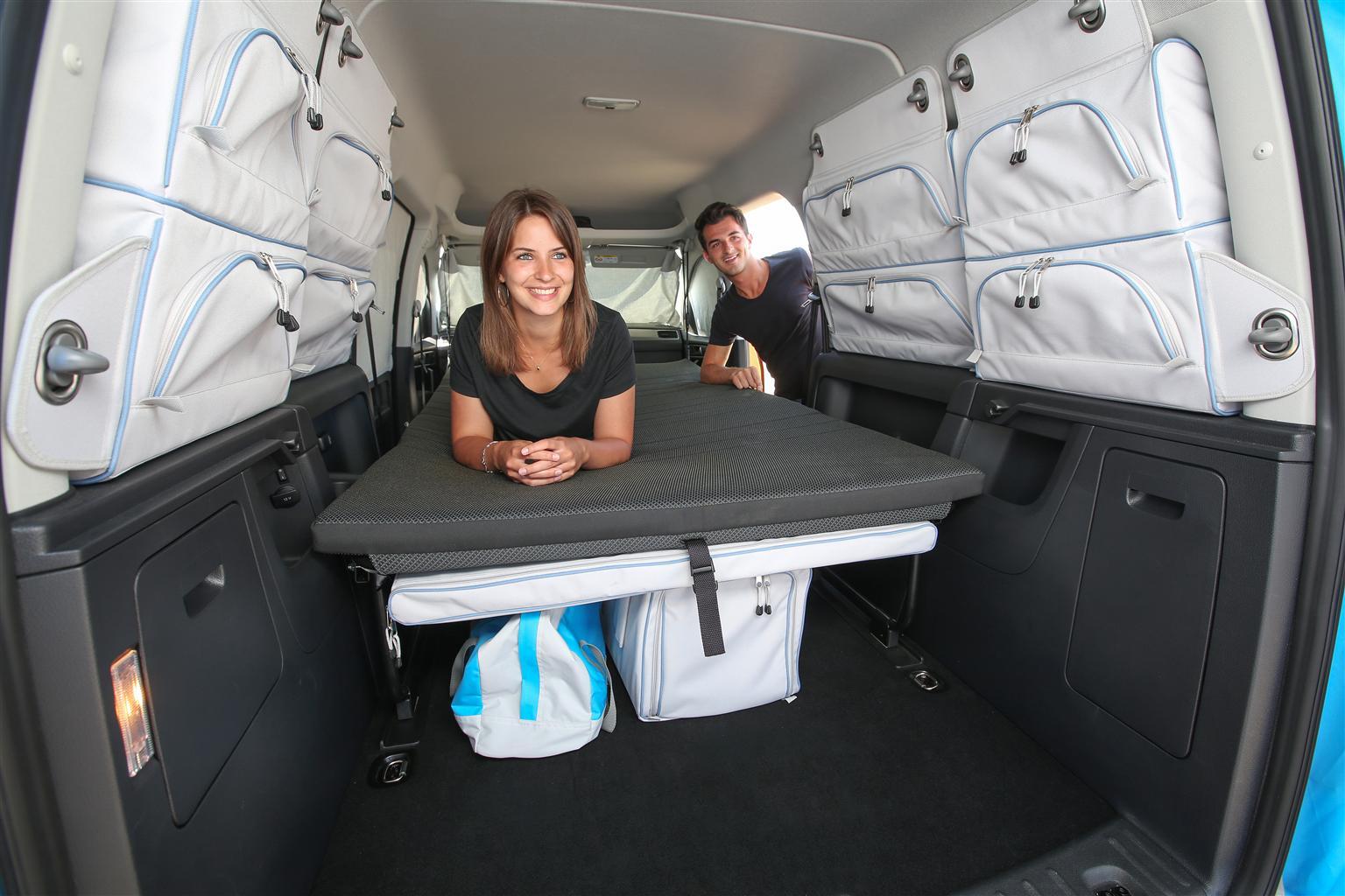 volkswagen al salone del camper 2015 5 7. Black Bedroom Furniture Sets. Home Design Ideas