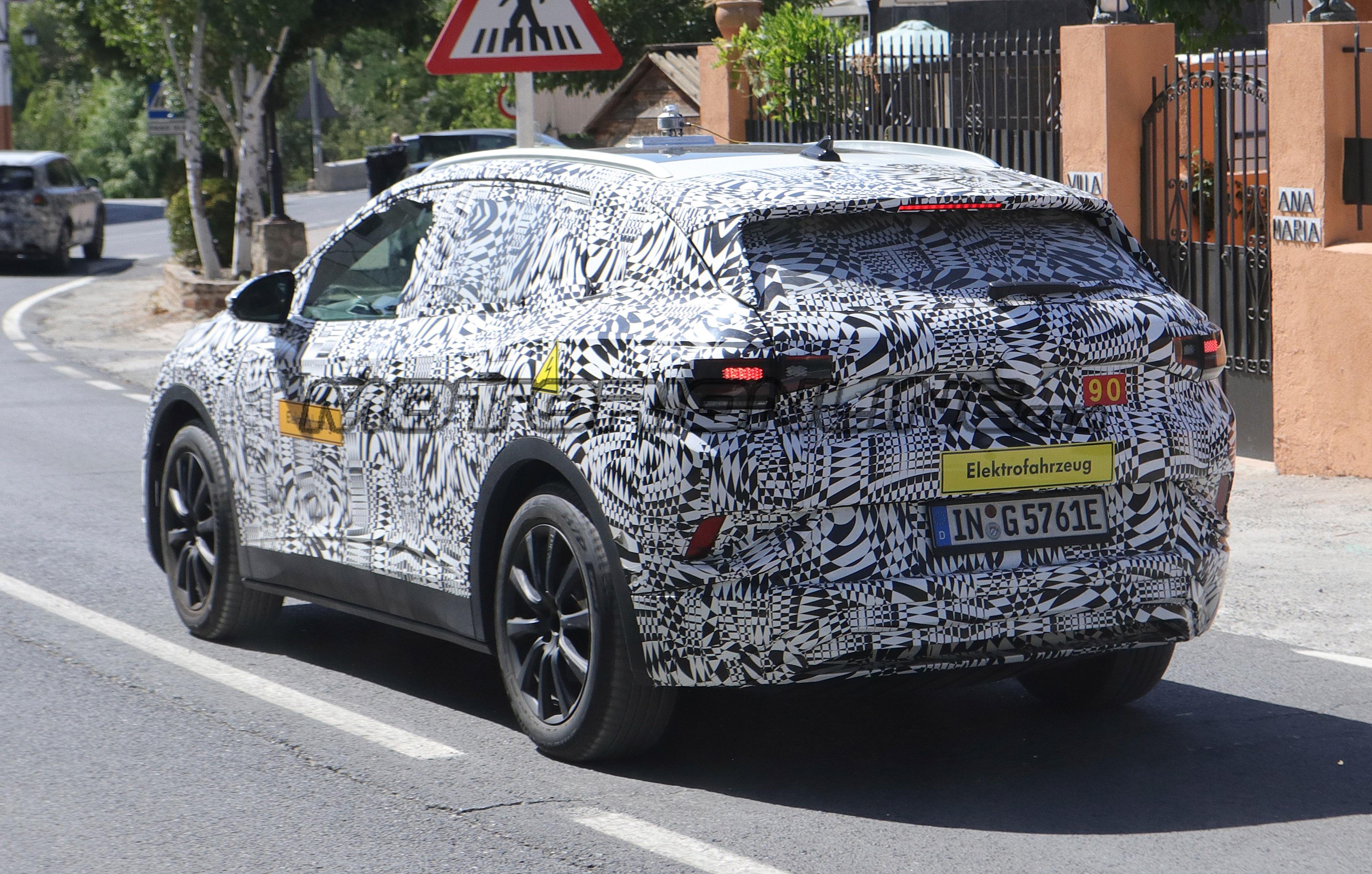 Volkswagen ID Crozz - Foto spia 01-08-2019
