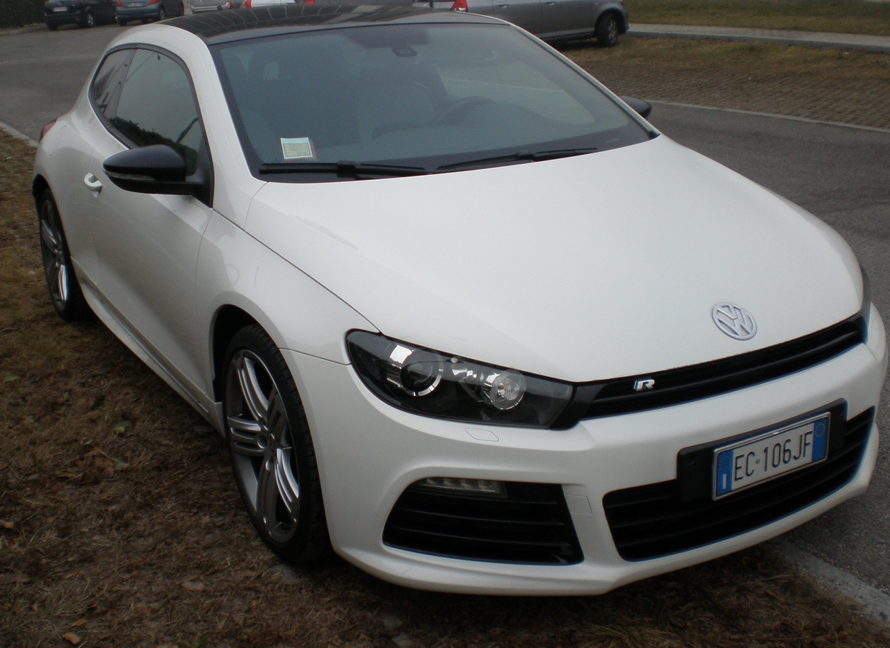 volkswagen scirocco r test drive 10 97. Black Bedroom Furniture Sets. Home Design Ideas