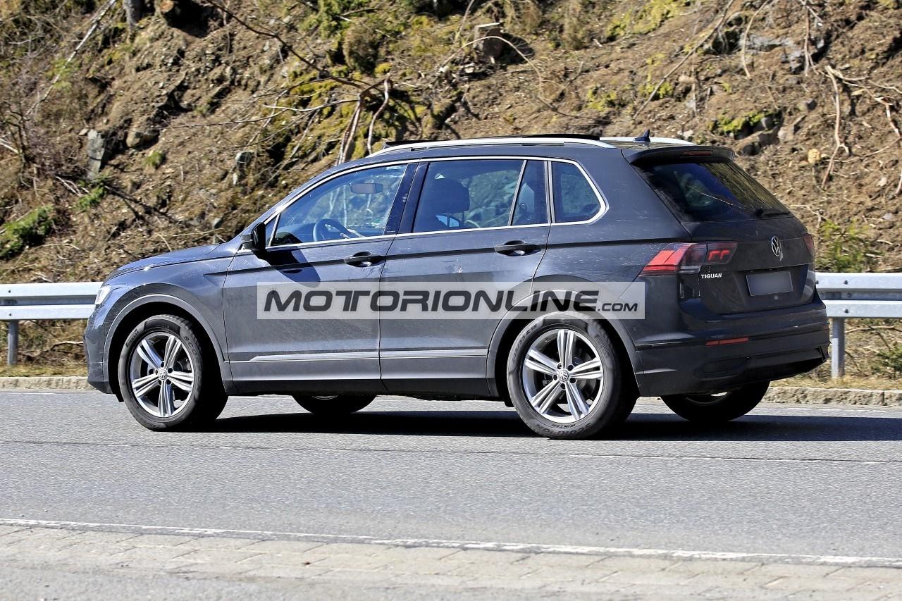 Volkswagen Tiguan 2021 - Foto spia 7-4-2020
