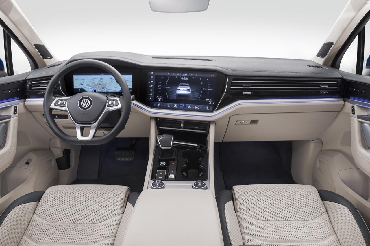 Volkswagen touareg 2019 interno blue 33