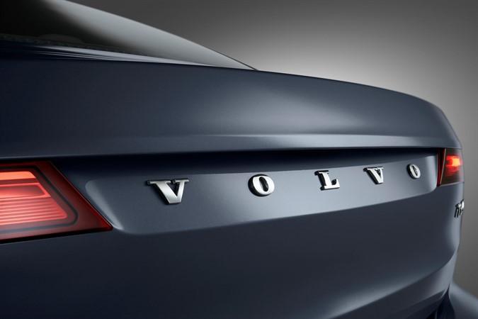 Volvo S90 - interni ed esterni