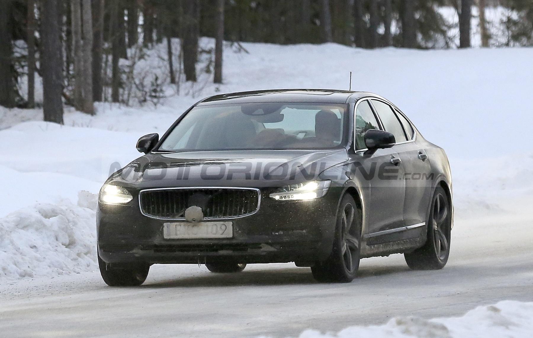 Volvo S90, V90 e V90 Cross Country 2020 - Foto spia 10-12-2019