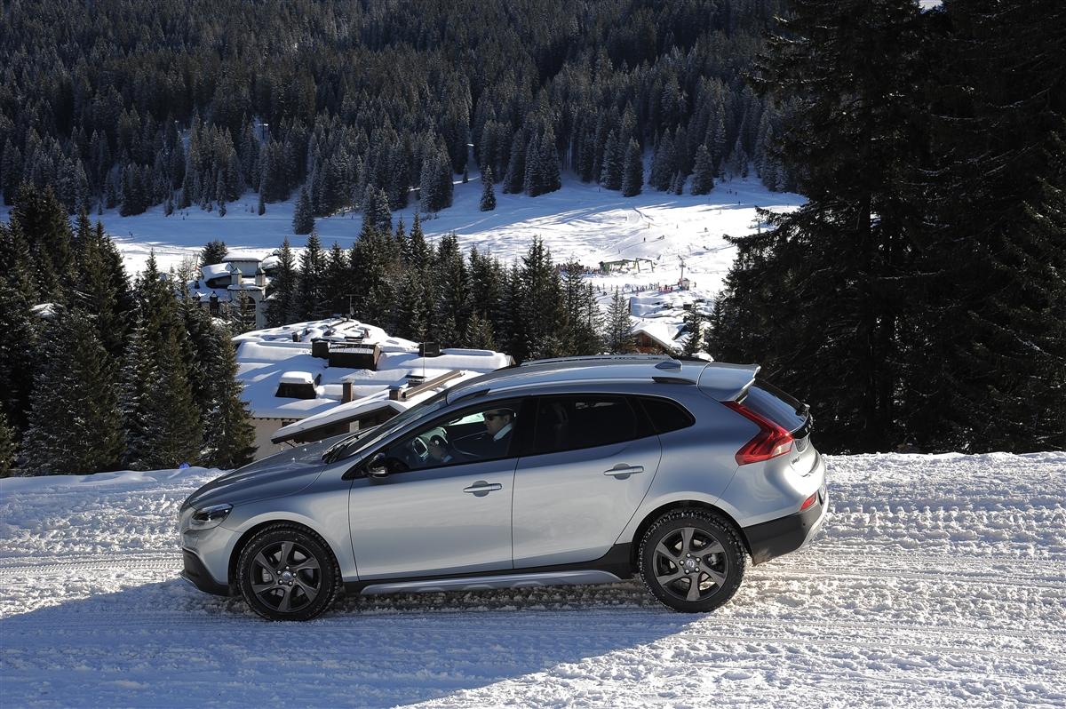 Test: Volvo V40 Cross Country / Autotests / Autowereld.com