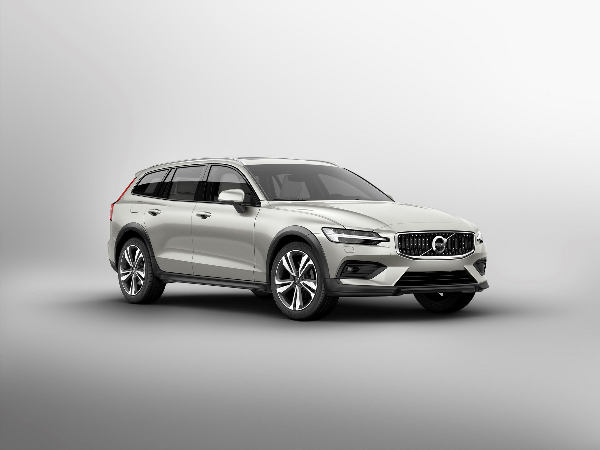 Volvo V60 Cross Country MY 2019