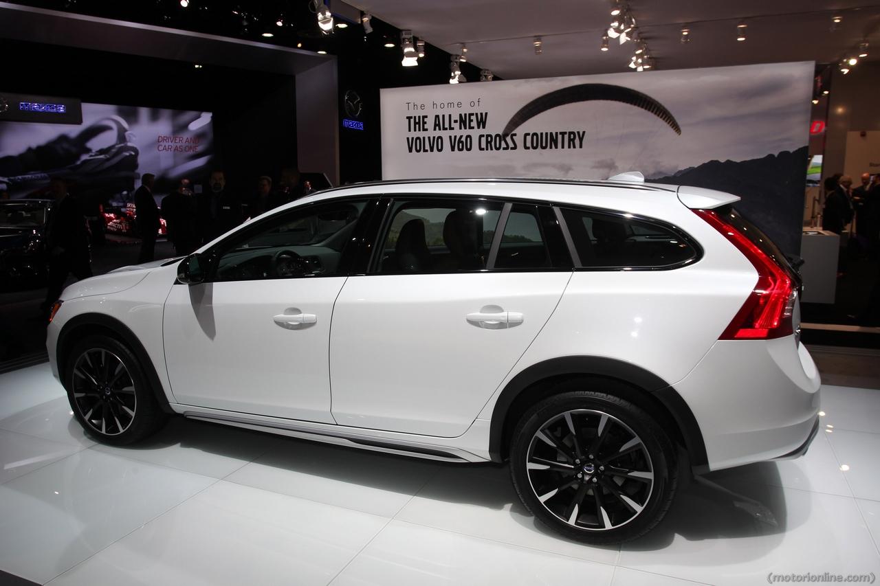 Volvo V60 Cross Country - Salone di Detroit 2015