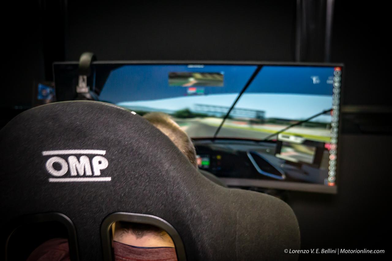 Wave e Asus - Simulatore di guida professionale