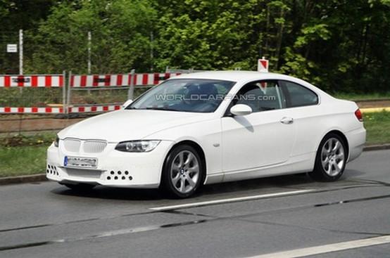 Spiata la BMW Serie-3 Coupé rivisitata in bianco